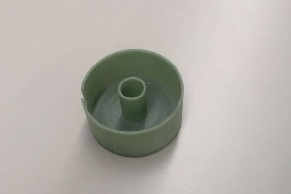北京FR-4加工件)阻燃环氧玻璃布层压板  特性:常温下机械强度高,干态、湿态下电气性能好,V0级阻燃,  厚度:0.3~100mm  标称尺寸:1020x 1220mm;1020 x 2040mm;1220 x 2470mm  名 称:FR-4  类 别:  绝缘板系列  颜 色:  绿色  性 能:  机械强度高,高温下电气性能稳  用 途 :  机械、电气、电子用  发电机、电动机、配电柜及其他电器设备中用作绝缘结构零部  厚 度:  8-35mm  规 格:  1220×2440、1600×3050、