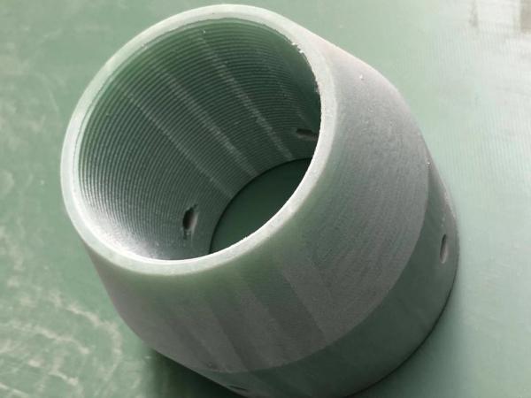绝缘棒材)阻燃环氧玻璃布层压板  特性:常温下机械强度高,干态、湿态下电气性能好,V0级阻燃,  厚度:0.3~100mm  标称尺寸:1020x 1220mm;1020 x 2040mm;1220 x 2470mm  名 称:FR-4  类 别:  绝缘板系列  颜 色:  绿色  性 能:  机械强度高,高温下电气性能稳  用 途 :  机械、电气、电子用  发电机、电动机、配电柜及其他电器设备中用作绝缘结构零部  厚 度:  8-35mm  规 格:  1220×2440、1600×3050、160